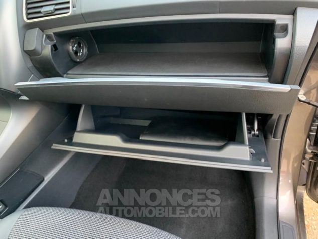 Toyota VERSO 132 VVT-i Design GRIS DUNE Occasion - 9