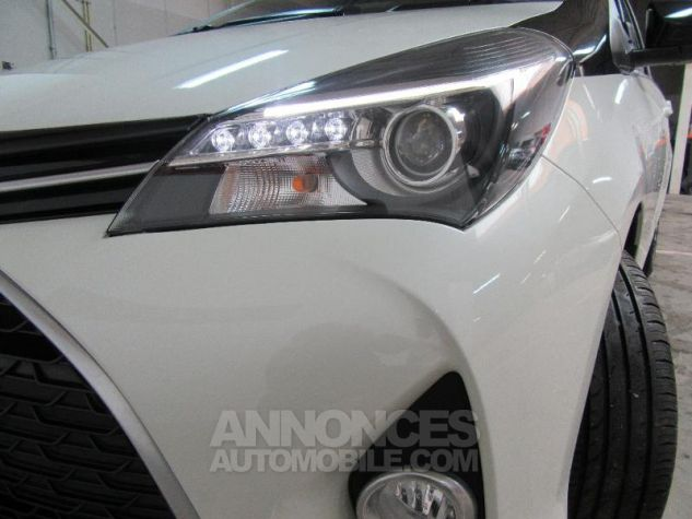 Toyota YARIS 100 VVT-i Collection 5p Blanc Occasion - 15