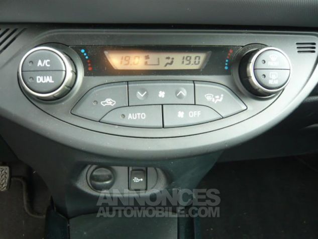 Toyota YARIS 100 VVT-i Design 5p ROUGE Occasion - 10