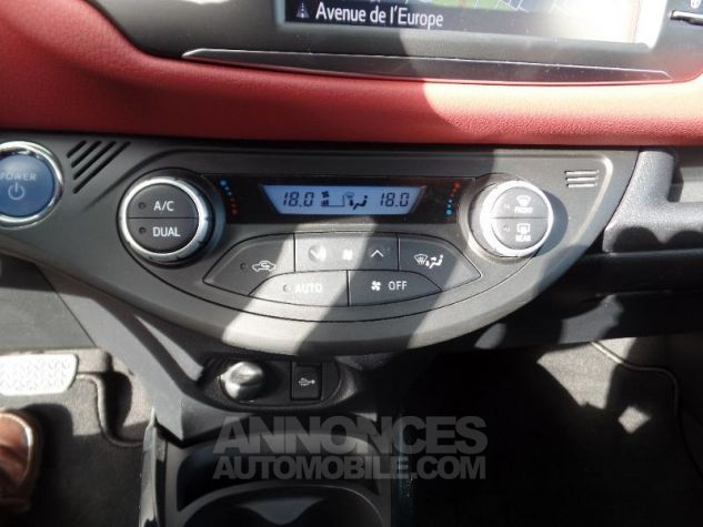 Toyota YARIS 100h Collection 5p BI TON ROUGE ALLURE   NOIR Occasion - 7