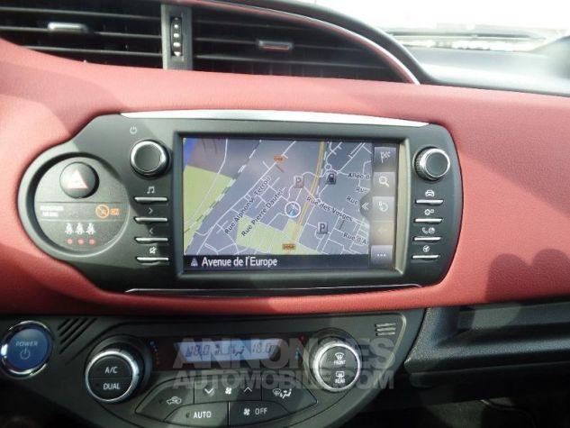 Toyota YARIS 100h Collection 5p BI TON ROUGE ALLURE   NOIR Occasion - 8