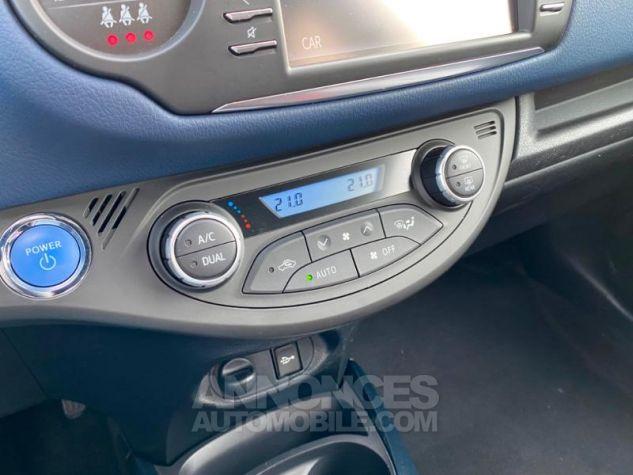 Toyota YARIS 100h Collection 5p MY19 Bi Ton Bleu Nebula Noir Occasion - 9