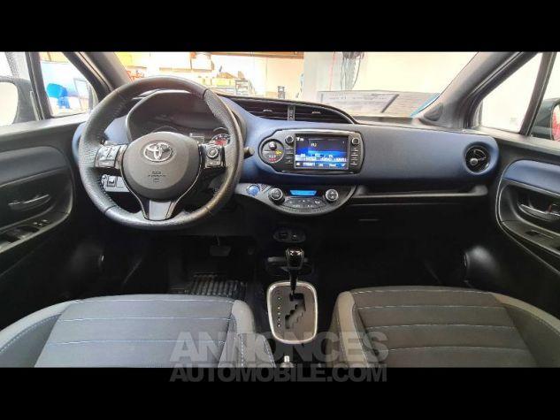 Toyota YARIS 100h Collection 5p MY19 Bi Ton Bleu Nebula Noir Occasion - 6