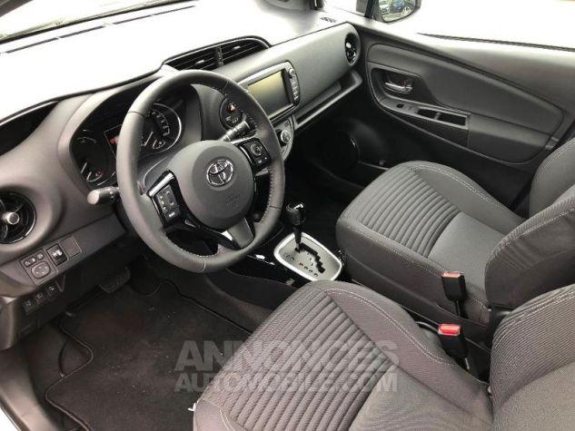 Toyota YARIS 100h Collection 5p RC18 2NS BI TON BLANC NAC Neuf - 11