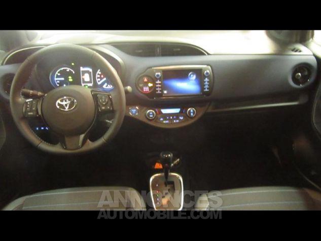 Toyota YARIS 100h Collection 5p RC18 Bleu Foncé Occasion - 7
