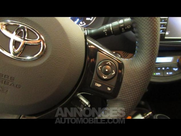 Toyota YARIS 100h Collection 5p RC18 Bleu Foncé Occasion - 14