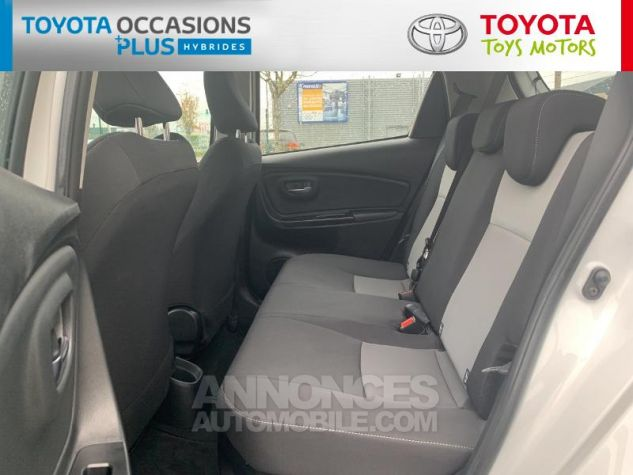 Toyota YARIS 100h Dynamic 5p RC18 Blanc Pur Occasion - 13