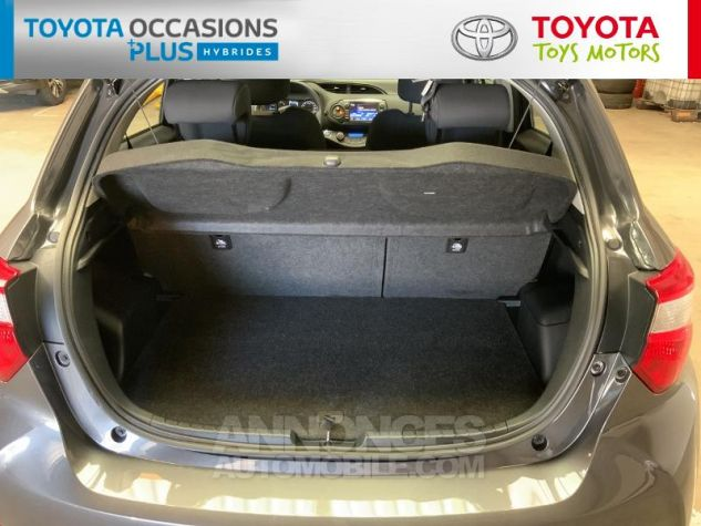 Toyota YARIS 100h Dynamic 5p RC18 Gris Atlas Occasion - 14