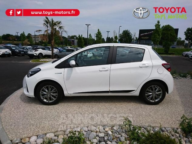 Toyota YARIS 100h Dynamic Business 5p Blanc Pur Occasion - 2