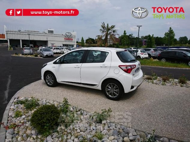 Toyota YARIS 100h Dynamic Business 5p Blanc Pur Occasion - 3