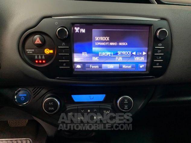 Toyota YARIS 100h France 5p Blanc Occasion - 10