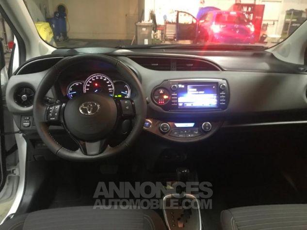 Toyota YARIS 100h France 5p RC18 Blanc Occasion - 8