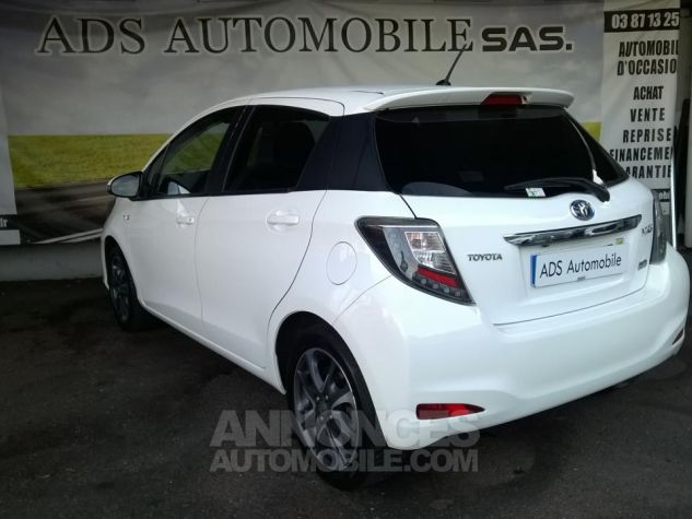 Toyota YARIS 100H Graphic Blanc Occasion - 3