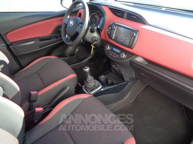 Toyota YARIS 110 VVT-i Collection 5p BI TON ROUGE ALLURE   NOIR Occasion - 3