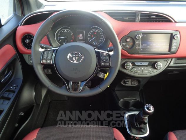 Toyota YARIS 110 VVT-i Collection 5p BI TON ROUGE ALLURE   NOIR Occasion - 9