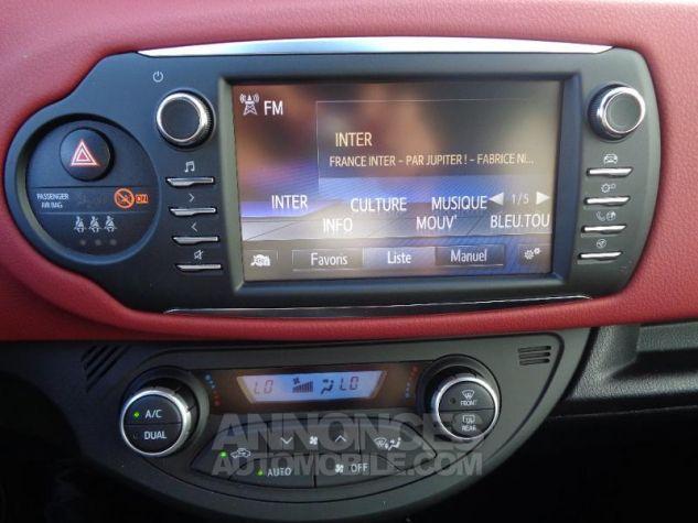 Toyota YARIS 110 VVT-i Collection 5p BI TON ROUGE ALLURE   NOIR Occasion - 12