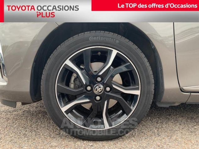 Toyota YARIS 110 VVT-i Collection 5p Gris Dune Occasion - 3