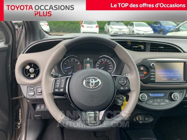 Toyota YARIS 110 VVT-i Collection 5p Gris Dune Occasion - 5