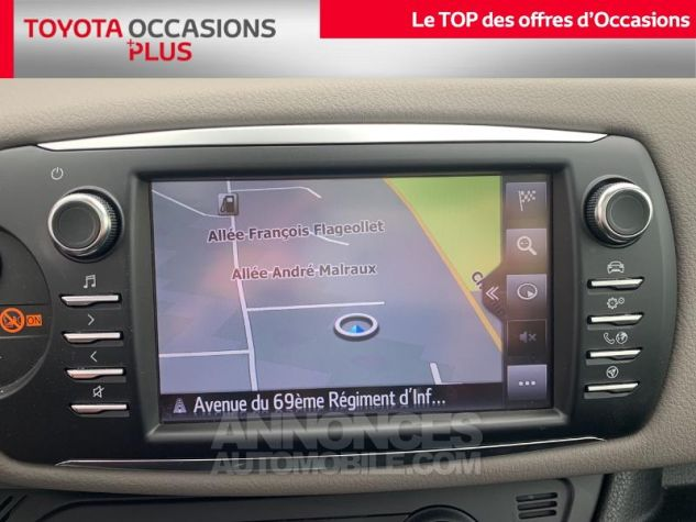 Toyota YARIS 110 VVT-i Collection 5p Gris Dune Occasion - 6
