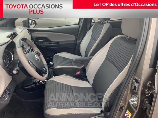 Toyota YARIS 110 VVT-i Collection 5p Gris Dune Occasion - 12