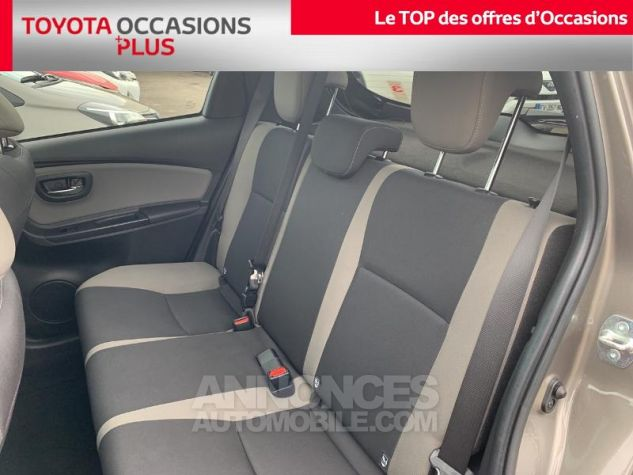 Toyota YARIS 110 VVT-i Collection 5p Gris Dune Occasion - 13