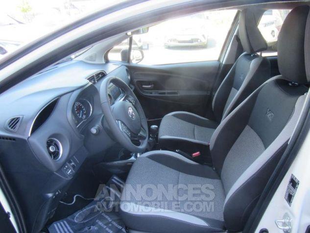 Toyota YARIS 110 VVT-i Design Y20 5p MY19 BI TON BLANC NACRE   GRIS ATL Occasion - 6