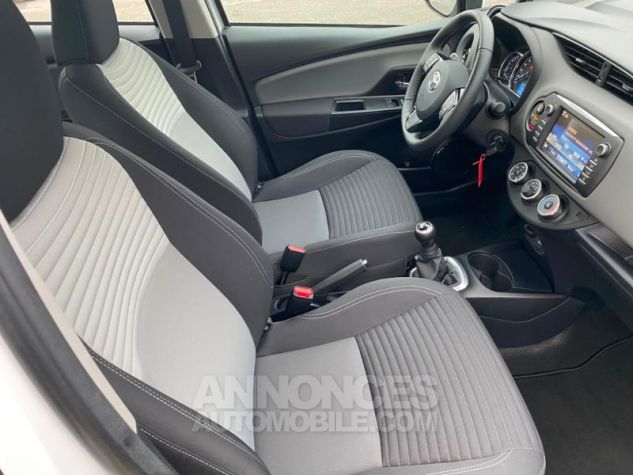 Toyota YARIS 70 VVT-i France 5p MY19 Blanc Pur Occasion - 6