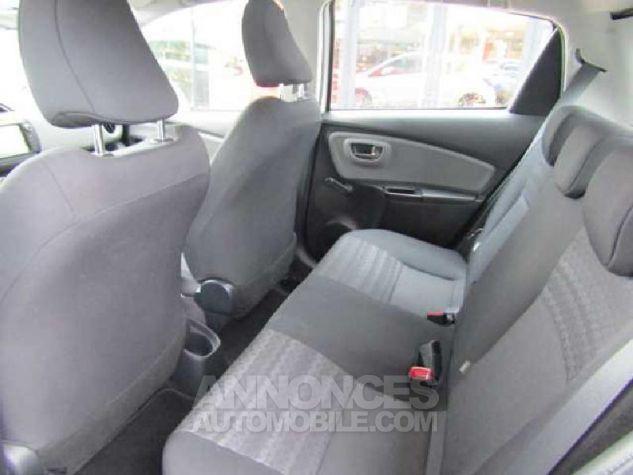 Toyota YARIS 90 D-4D Business 5p Blanc Occasion - 8