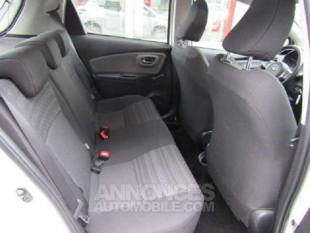 Toyota YARIS 90 D-4D Business 5p Blanc Occasion - 9