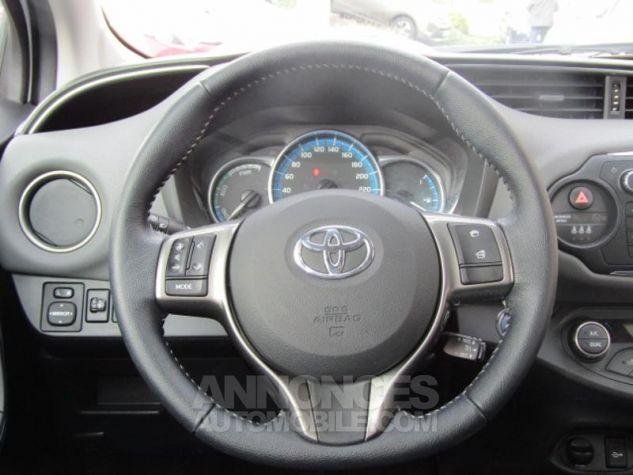 Toyota YARIS HSD 100h Attitude 5p Blanc Occasion - 3