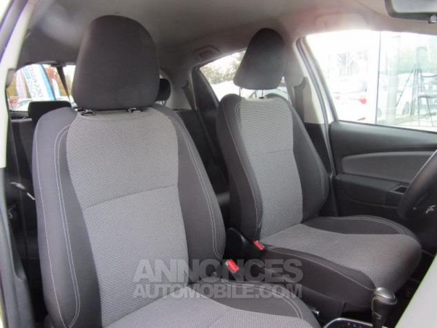 Toyota YARIS HSD 100h Attitude 5p Blanc Occasion - 14