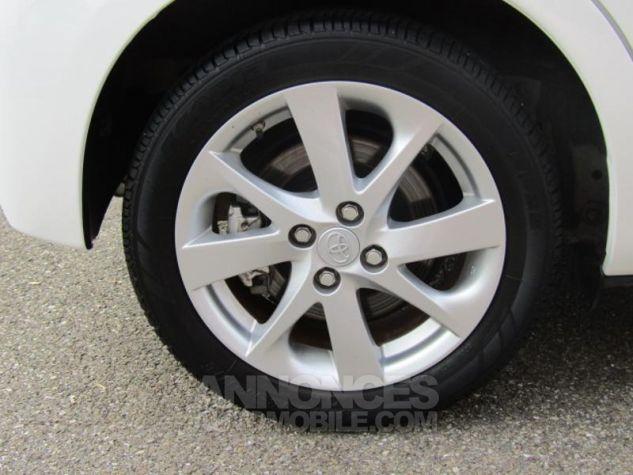 Toyota YARIS HSD 100h Attitude 5p Blanc Occasion - 16