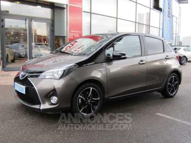 Toyota YARIS HSD 100h Collection 5p Gris Clair Occasion - 0