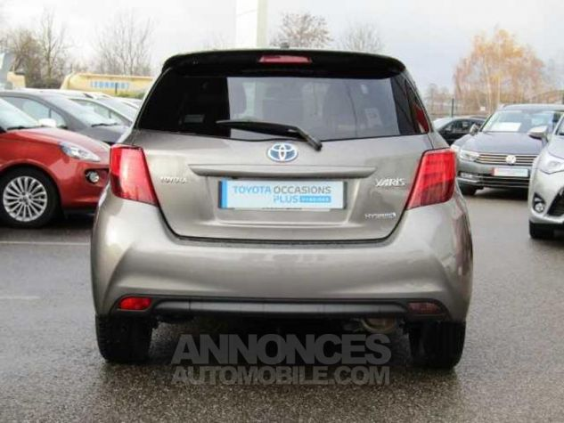Toyota YARIS HSD 100h Collection 5p Gris Clair Occasion - 9
