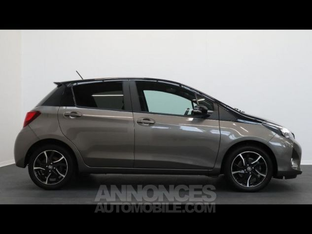 Toyota YARIS HSD 100h Collection 5p GRIS DUNE Occasion - 6
