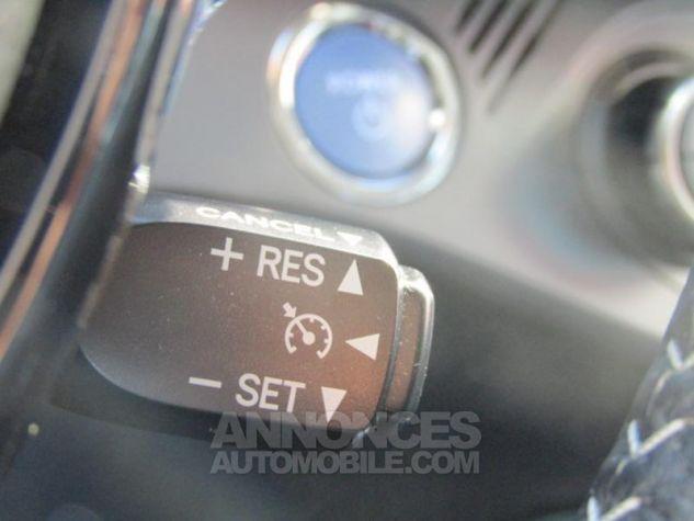Toyota YARIS HSD 100h Design 5p BLANC PUR Occasion - 15