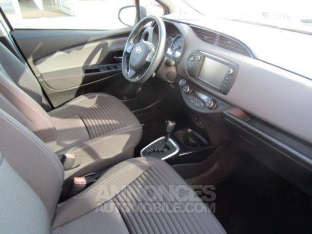 Toyota YARIS HSD 100h Design 5p BLANC PUR Occasion - 9