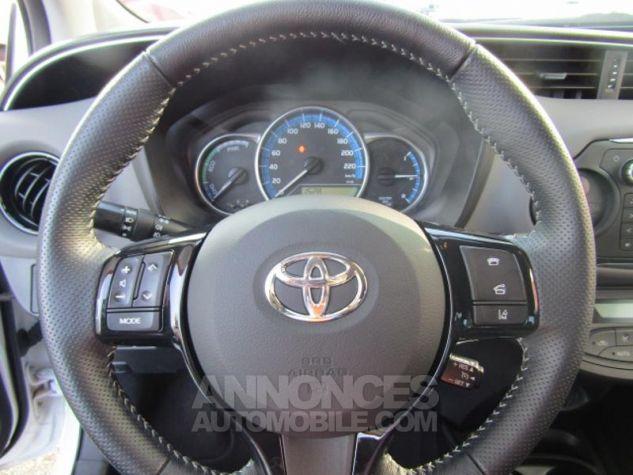 Toyota YARIS HSD 100h Design 5p BLANC PUR Occasion - 12