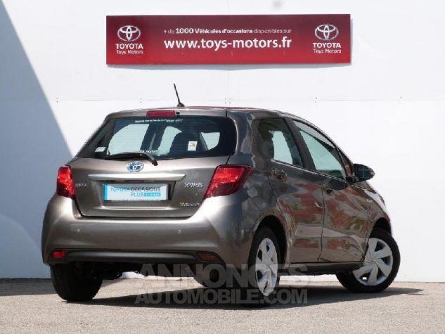 Toyota YARIS HSD 100h Dynamic 5p GRIS DUNE Occasion - 1
