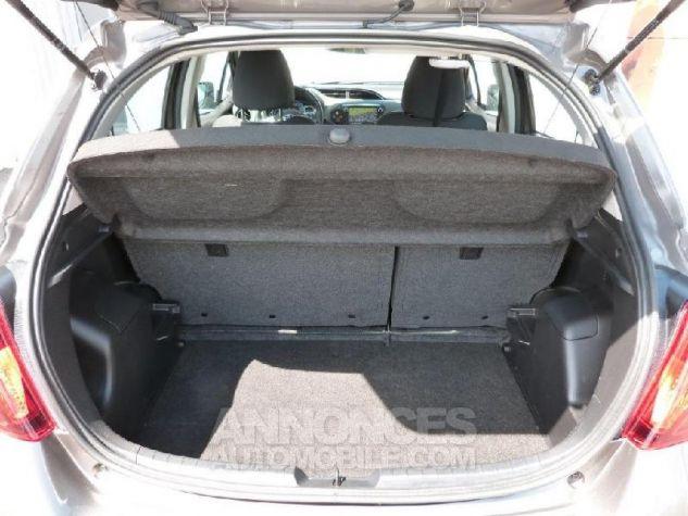 Toyota YARIS HSD 100h Dynamic 5p GRIS DUNE Occasion - 5