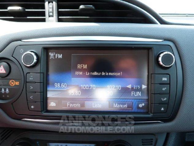 Toyota YARIS HSD 100h Dynamic 5p GRIS DUNE Occasion - 11