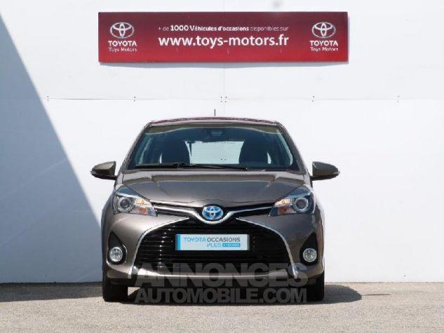 Toyota YARIS HSD 100h Dynamic 5p GRIS DUNE Occasion - 14