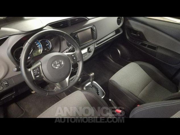 Toyota YARIS HSD 100h Dynamic 5p Gris Occasion - 6