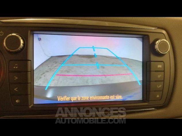 Toyota YARIS HSD 100h Dynamic 5p Gris Occasion - 9