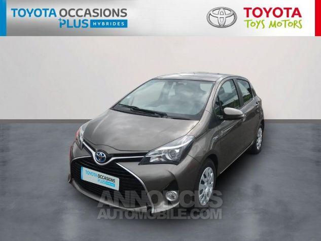 Toyota YARIS HSD 100h Dynamic 5p Gris Clair Occasion - 0