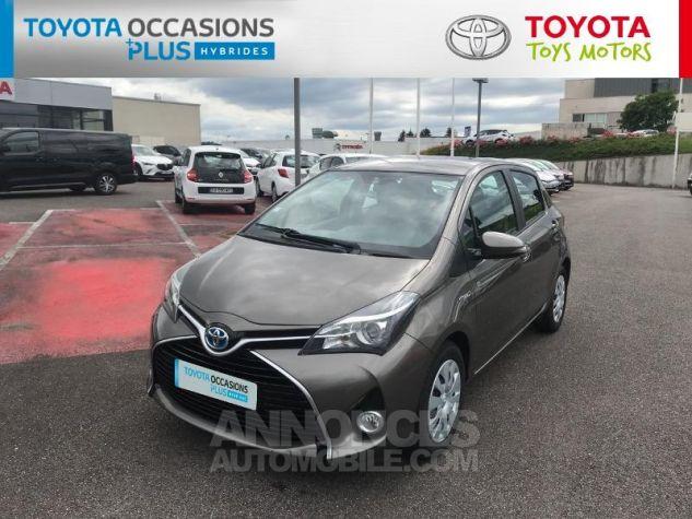Toyota YARIS HSD 100h Dynamic 5p Gris Clair Occasion - 18
