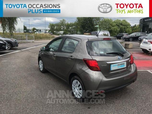 Toyota YARIS HSD 100h Dynamic 5p Gris Clair Occasion - 19