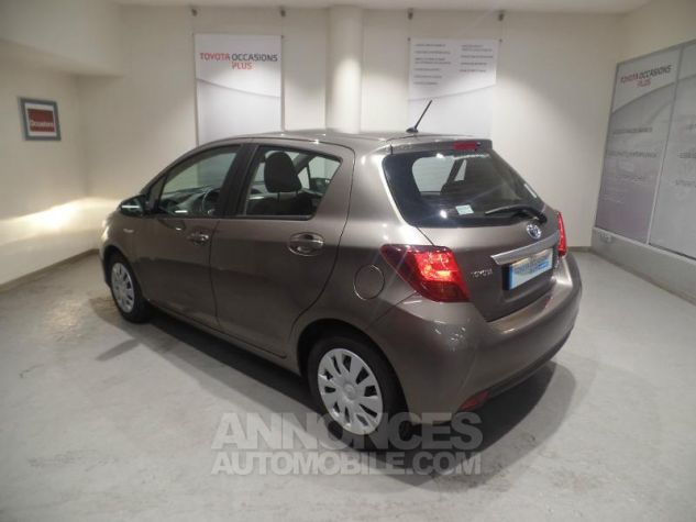 Toyota YARIS HSD 100h Dynamic 5p GRIS Occasion - 1