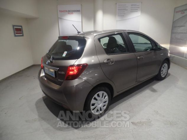 Toyota YARIS HSD 100h Dynamic 5p GRIS Occasion - 14