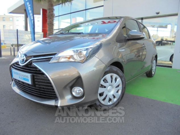 Toyota YARIS HSD 100h Dynamic 5p GRIS DUNE Occasion - 0